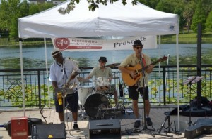 A live band plays every Sunday at the Maitland Farmer's Market