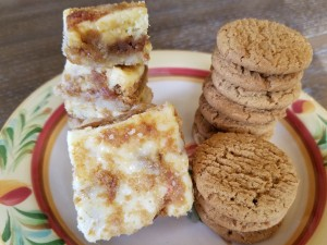 Gingersnap Cheesecake Bars