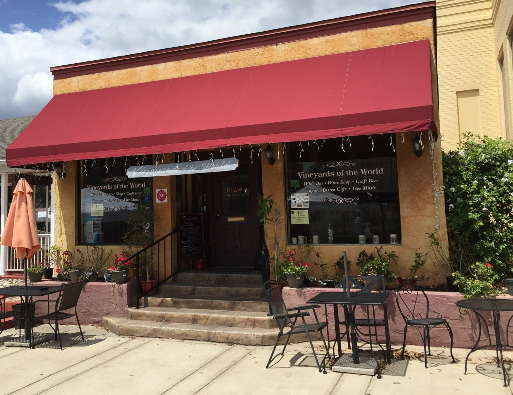 Vineyards of the World: 712 West Montrose Street in Clermont