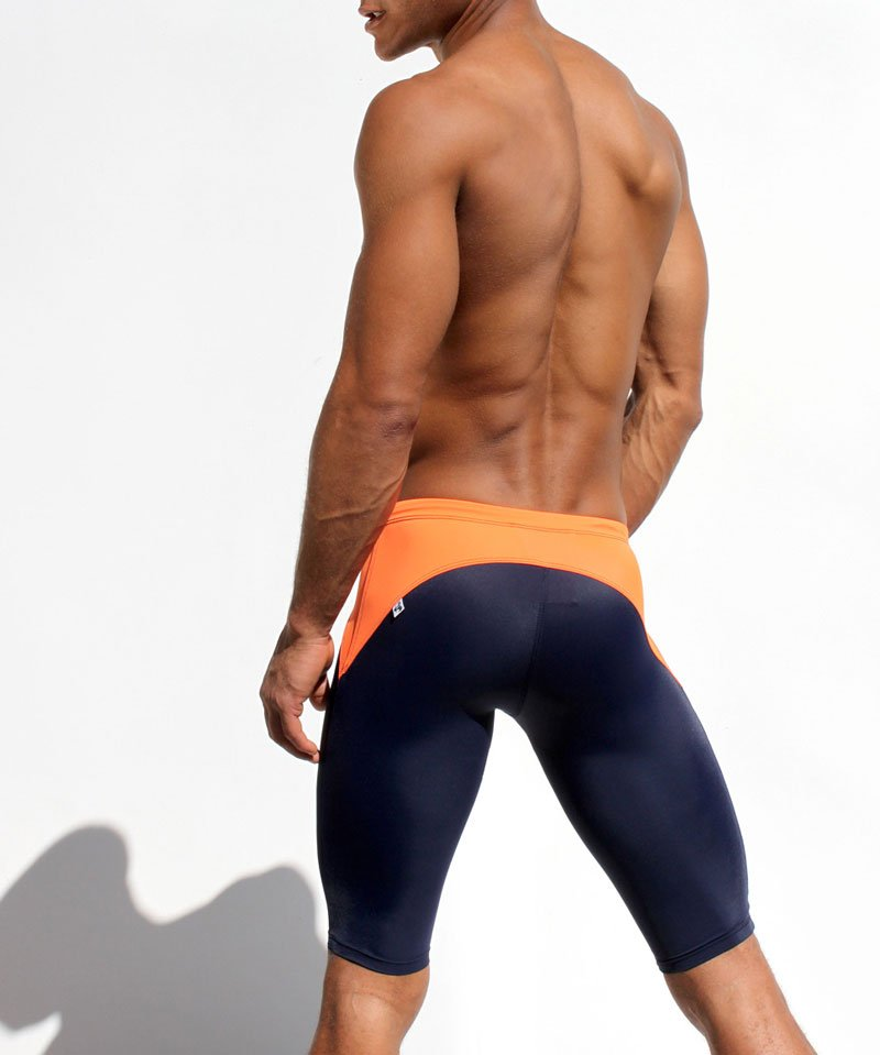 hot guys ass muscles in shape
