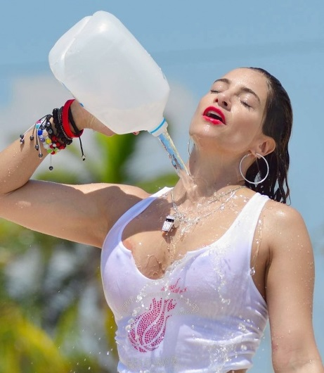 Wet T Shirt Ice Bucket Challenge Www Pixshark Com